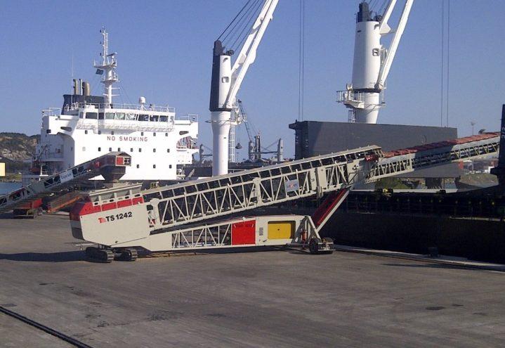 TS1242R - lasting av båt.jpg